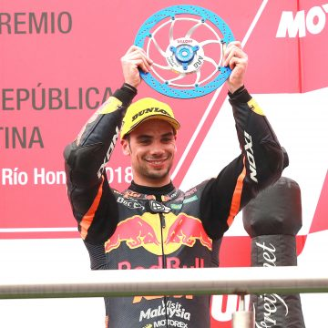 First podium for Oliveira